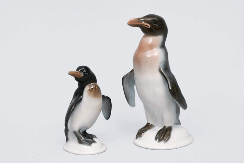 "Two figurines ""Penguins on pedestal"""