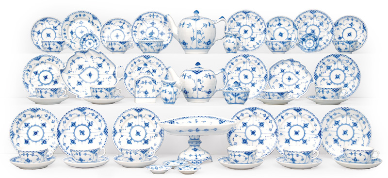 "A tea service ""Musselmalet"" Blue fluted"