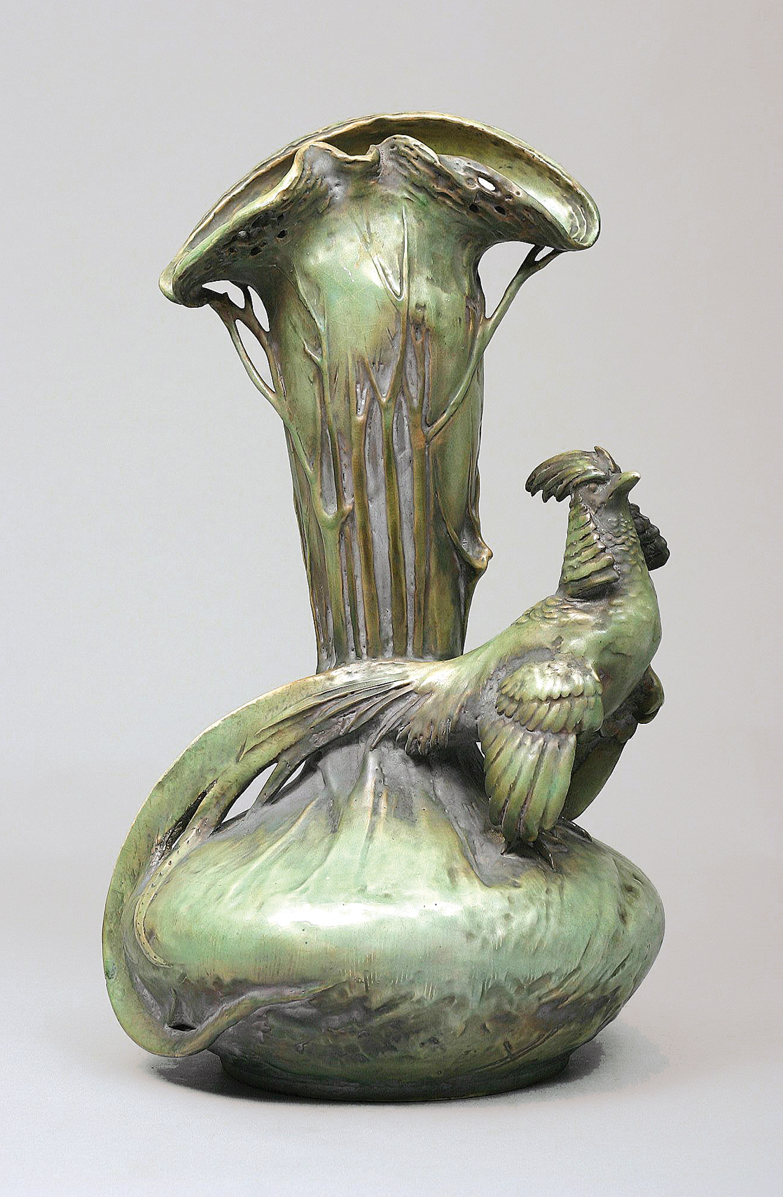 A large amphora vase with gold pheasant