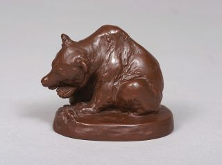 A Böttger-stoneware figure of a bear feeding