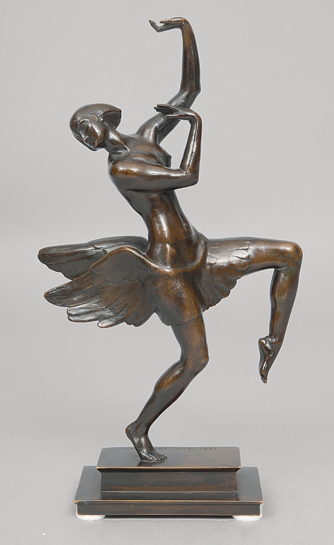 An Art-Déco bronze figure 'Dancer'