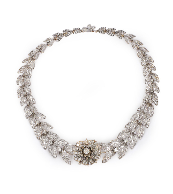 A splendid diamond necklace