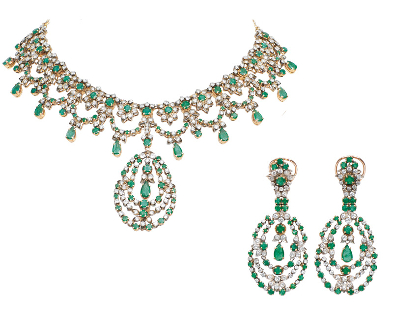 A Victorian emerald diamond necklace with matching pair of earpendants
