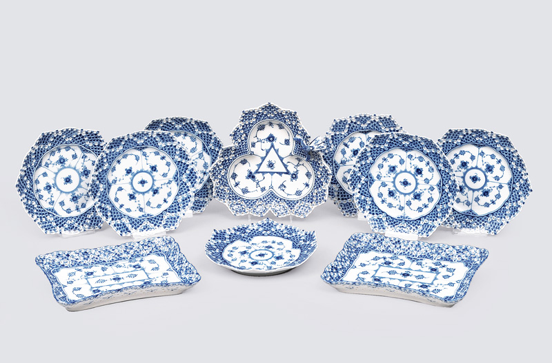"A tableware convolute ""Musselmalet"" with ""fluted full lace"""