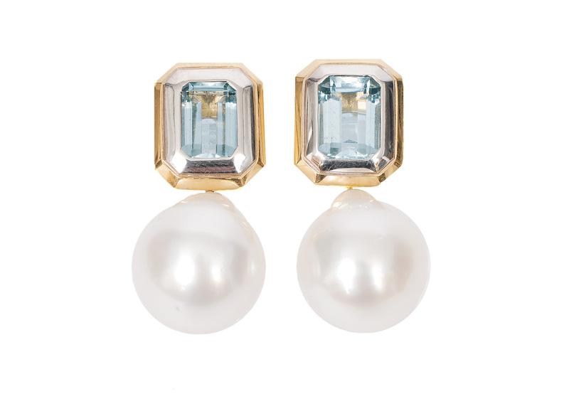 A pair aquamarine earstuds with Southsea pearls