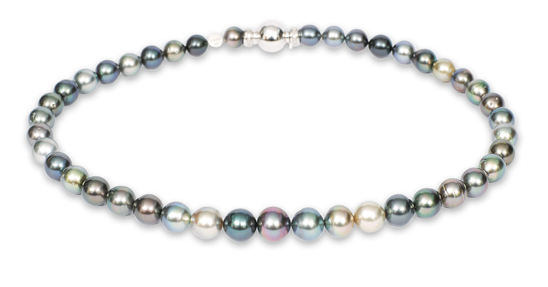 A Tahiti pearl necklace