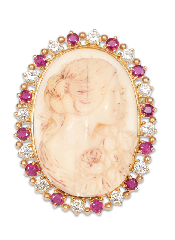 A fine camee brooch with diamonds and rubies