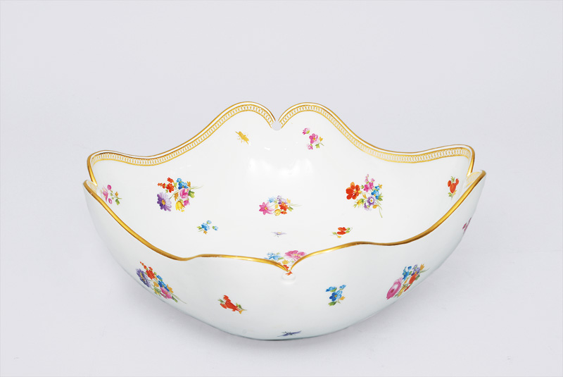 "A bowl ""bouquet with gallery rim"""