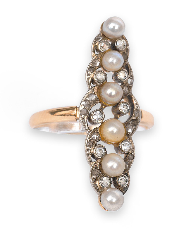 A Victorian pearl diamond ring