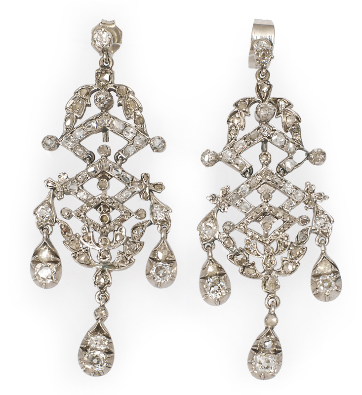 A pair of Biedermeier ear chandeliers with diamonds