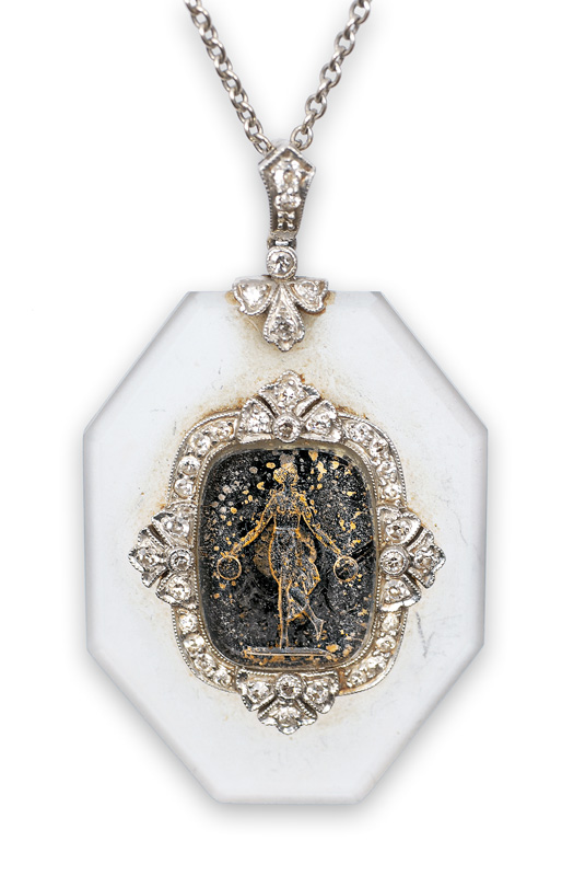 A rare Art-déco pendant with cameo and old cut diamonds