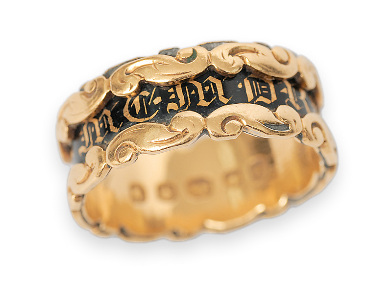 A Victorian gold ring with inscription