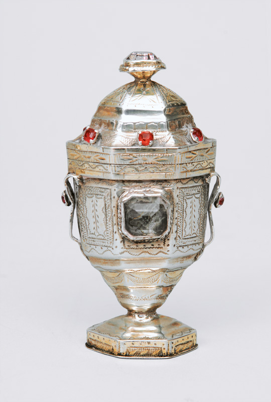 An Empire fragrance jar with rich engravings and coloured stones