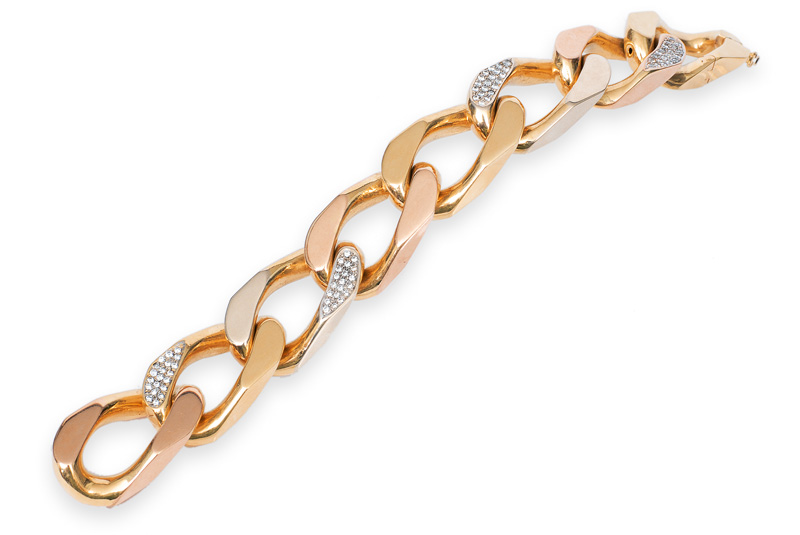 A modern, large chain bracelet with diamonds