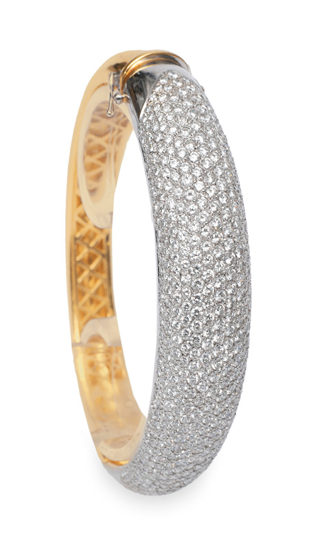 A high quality diamond bangle bracelet