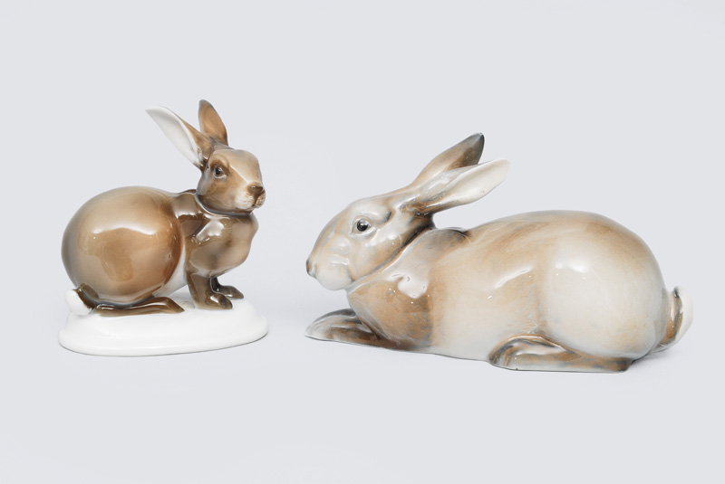 A set of 2 hare figurines