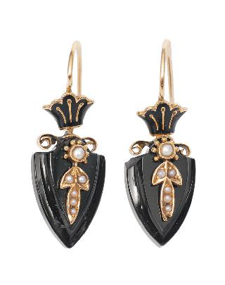 A pair of Napoleon-III earrings with onyx and pearls