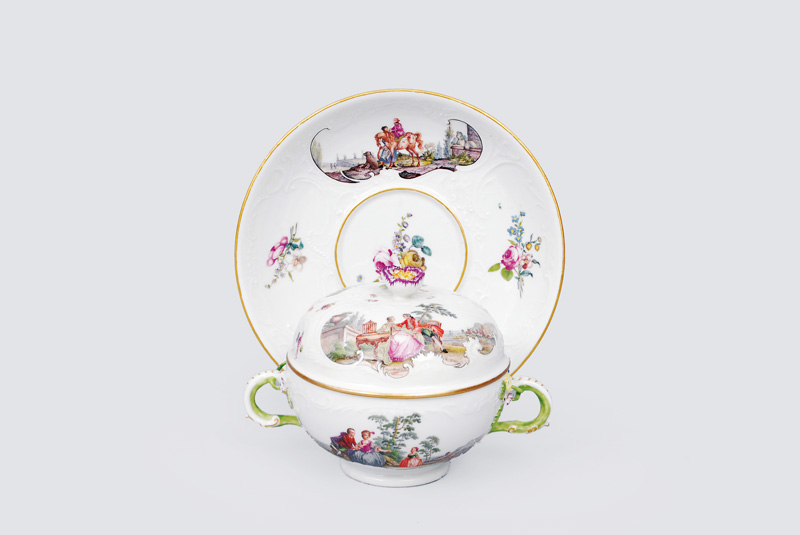 A small tureen with cover and saucer