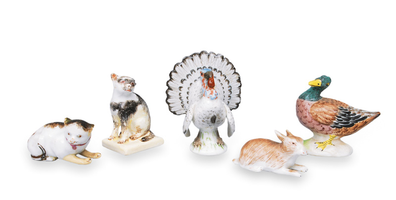 A set of 5 small animal figurines