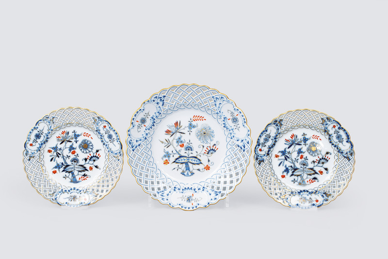 A set of 3 open work plates onion pattern with gold and red over decoration