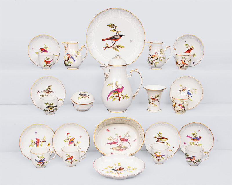 A coffee service with painting of birds and basket-shaped relief for 8 persons
