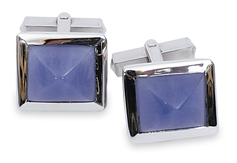 A pair of cufflinks