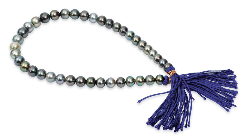 A Tahiti cultured pearl necklace