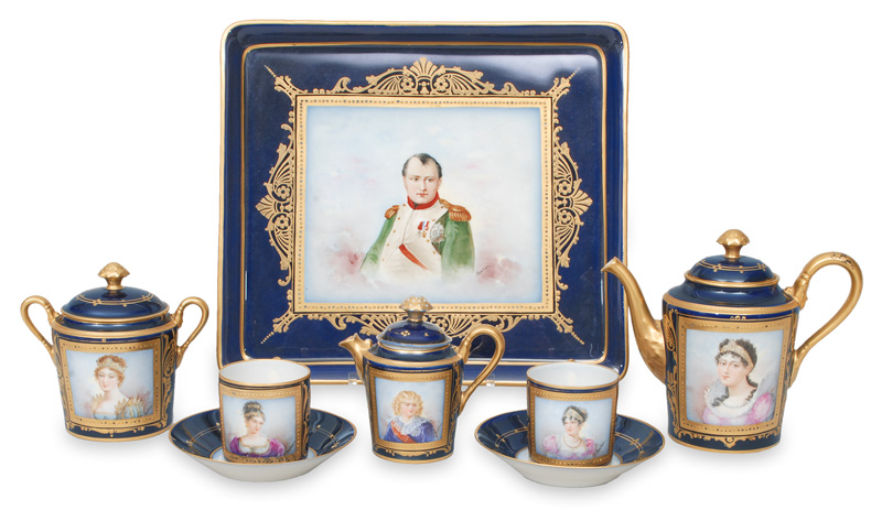 A pompous déjeuner with portraits of Napoleon Bonapartes family