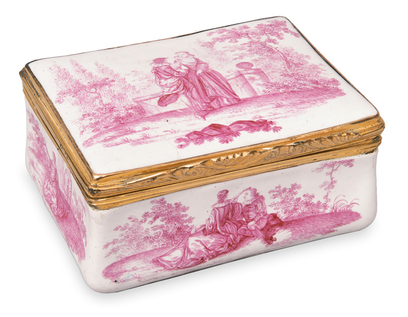 A snuff box with Watteau scenes in crimson