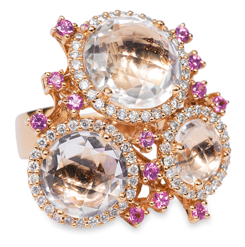 A splendid ring with pink sapphires and diamonds