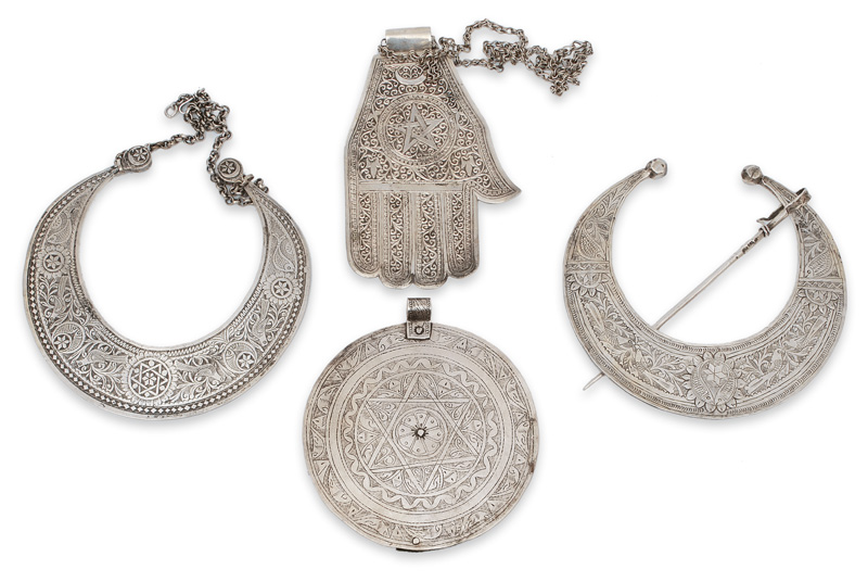 A set of differend Judaism jewellery