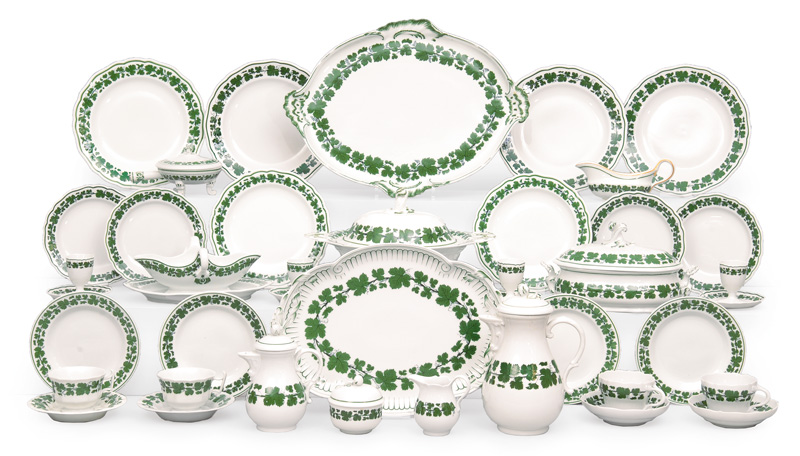 "A dinner service ""Vine leaves"""