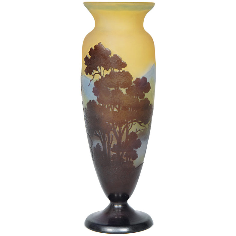 A cameo vase with landscape