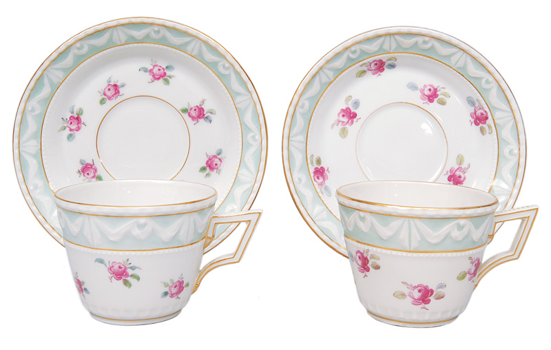"A pair of mocha cups ""Kurland"" with decor of roses"