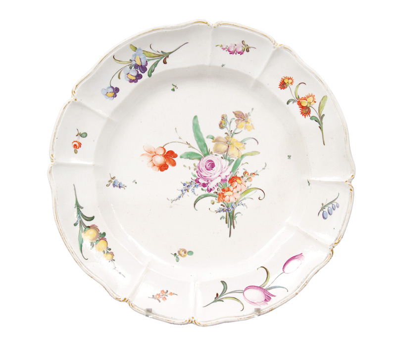 A big plate with flower painting