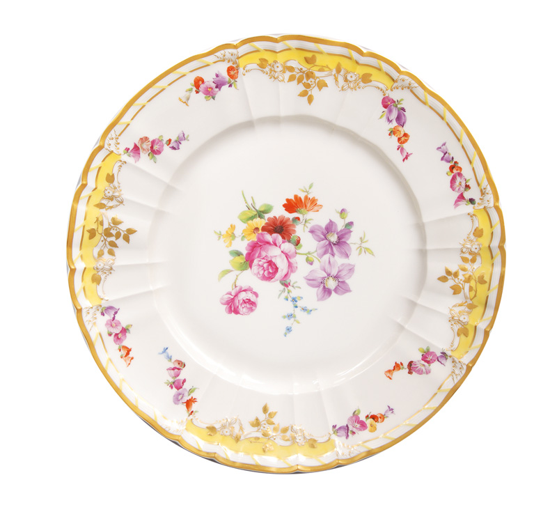 "A plate of the yellow dinner service for the ""Potsdamer Stadtschloß"""