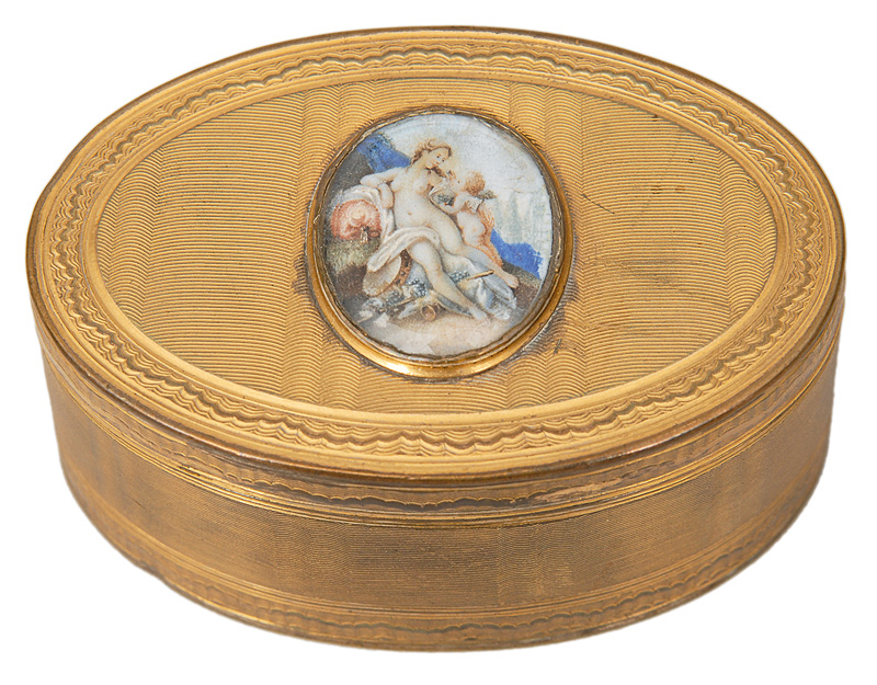 "A Louis Seize tabatière with miniature ""Venus and Amor"""