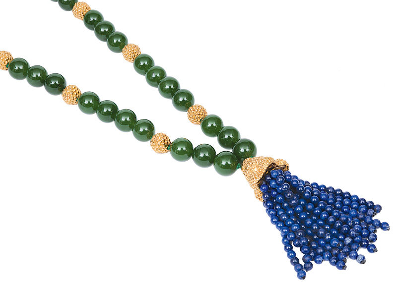 A nephrite necklace with lapis lazuli pendant by jeweller Wilm