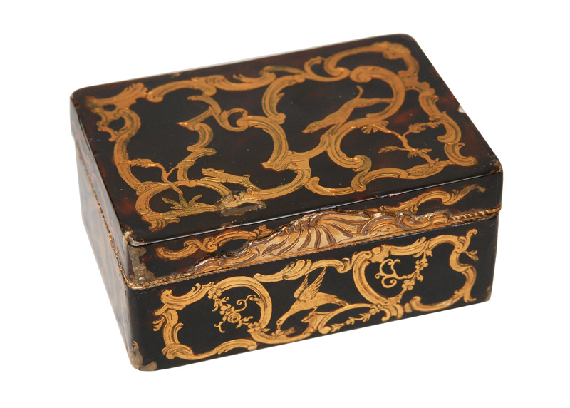 A tortoiseshell box with romantic scene