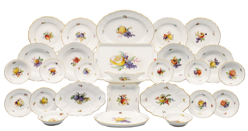 A dinner service with fruit painting