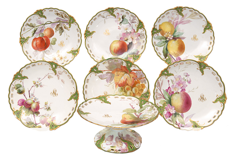 "A centrepiece with 6 plates ""Fruit painting"""