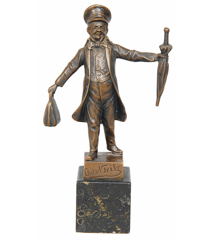 Small bronze figure 'Uncle Fritz'