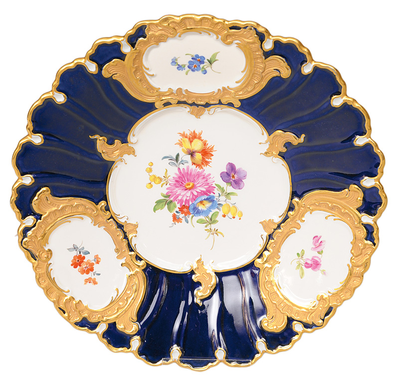 A rich plate with cobalt-blue decoration