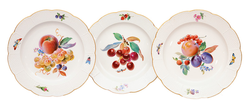 A set of 3 plates with fruit painting