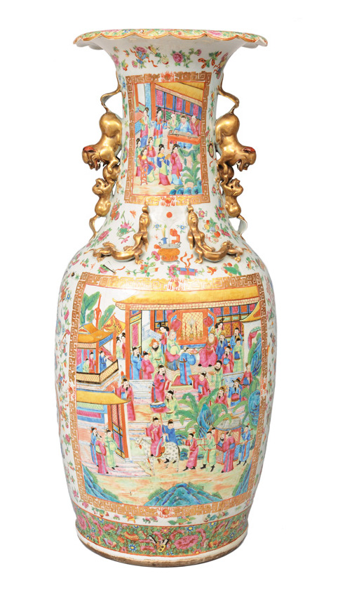 An exceptional tall Kanton-Vase with rich palace scenes