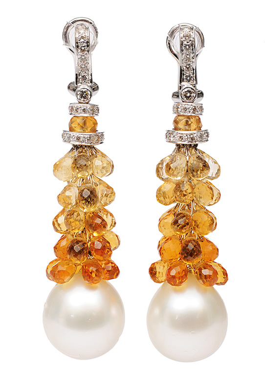 A pair of extraordinary citrine earpendants with Southsea pearls