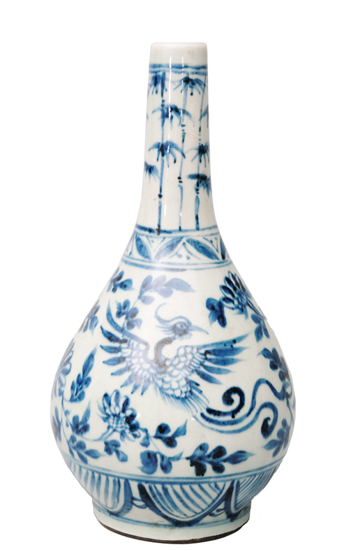 A bottle vase with phoenix and bamboo