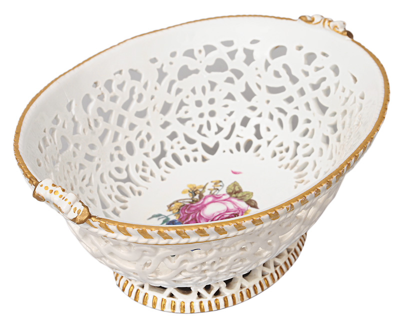 A basket-bowl with botanical flowers