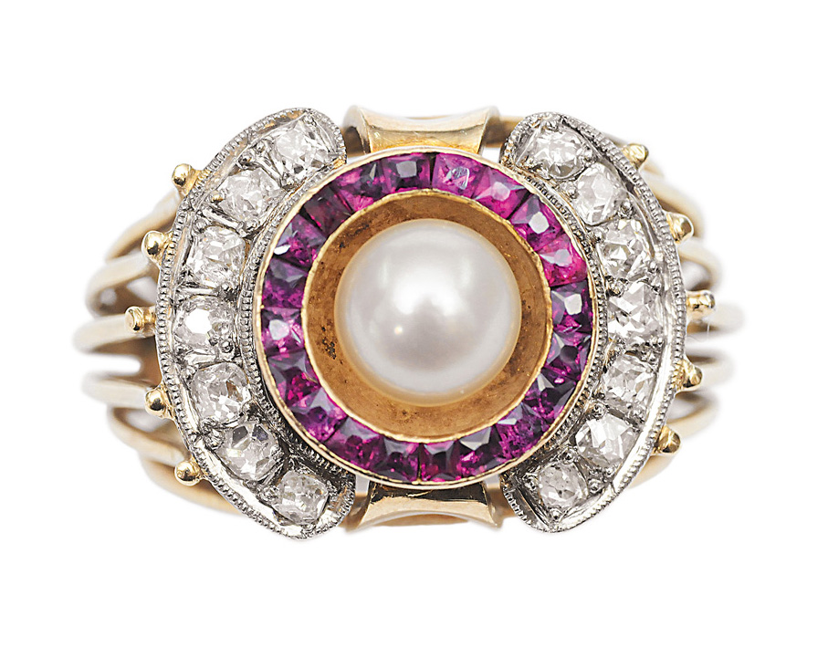 A ruby diamond ring with pearl