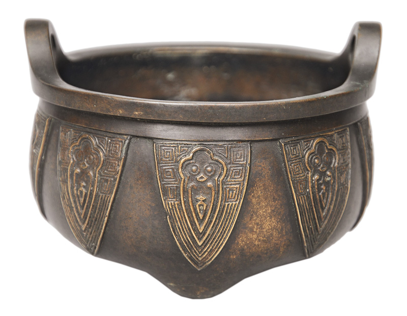 A bronze-censer with lancet-border
